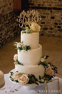 Stable Cottage Wedding Cakes Rebecca Matt Wedding Upwaltham Barns