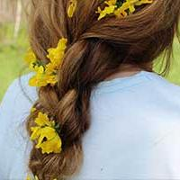 Flowers in hair wedding